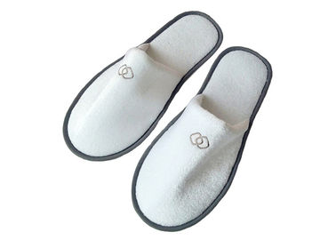 Cina Close Toe Disposable Hotel Slippers Indoor For Bathroom Hotel Amenities pabrik