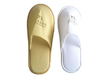 Cina Embroidery Logo Disposable Hotel Slippers , Comfort Hotel Guests Slipper pabrik