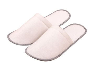 Cina Indoor disposable Hotel Slipper Great Promotion Custom Disposable House Slippers pabrik