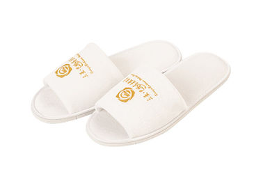Cina White Velvet Material Disposable Hotel Slippers Solid Imprinted Customized Logo pabrik
